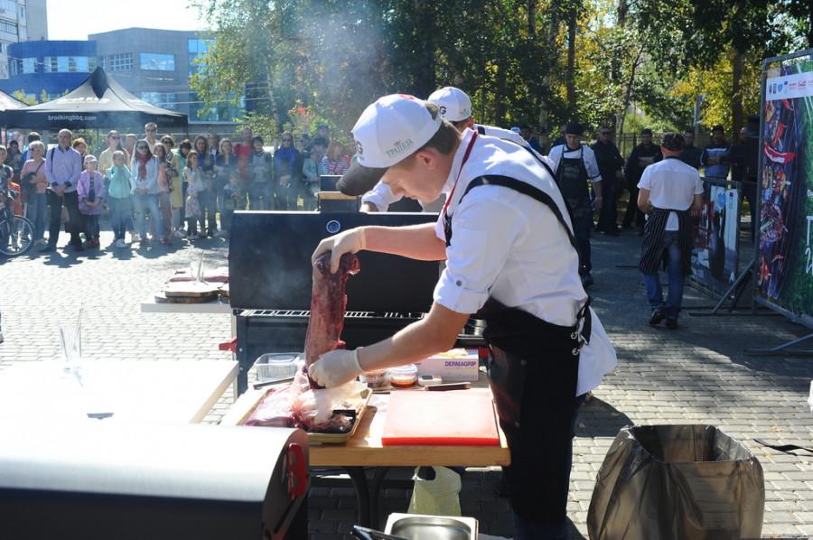 В Парке спорта впервые прошел Фестиваль барбекю. 17 сентября 2017 года
