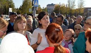 Мария Прусакова (в центре) на несостоявшемся митинге. Барнаул, 17 сентября 2017 года.