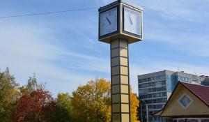 В Барнауле открыли часы 1980 года.