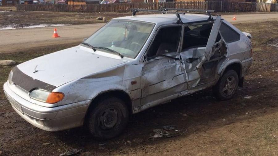 На Алтае после ДТП водителя ВАЗа доставили в больницу.