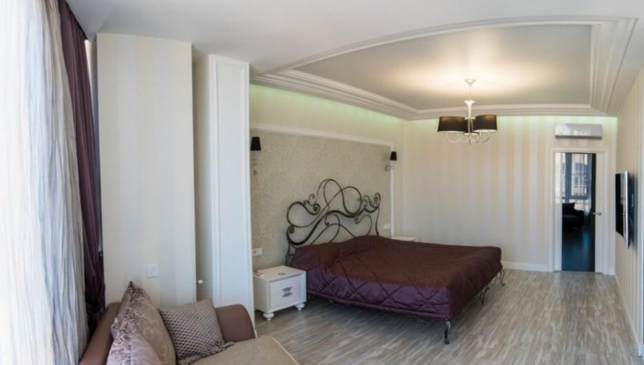 В Барнауле продают 7-комнатную квартиру с сауной и выходом на крышу