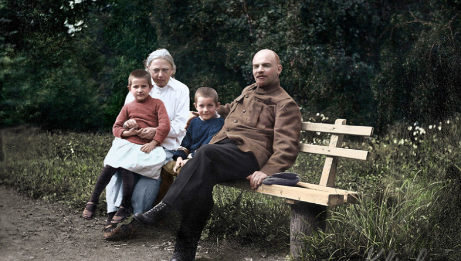 Владимир Ленин и Надежда Крупская. Горки, 1922 год.