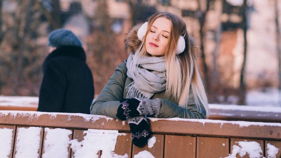 Девушка зимой.