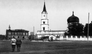 Петропавловский собор (1774 - 1935гг.) на Соборной площади (с 1933г. - пл.Свободы)