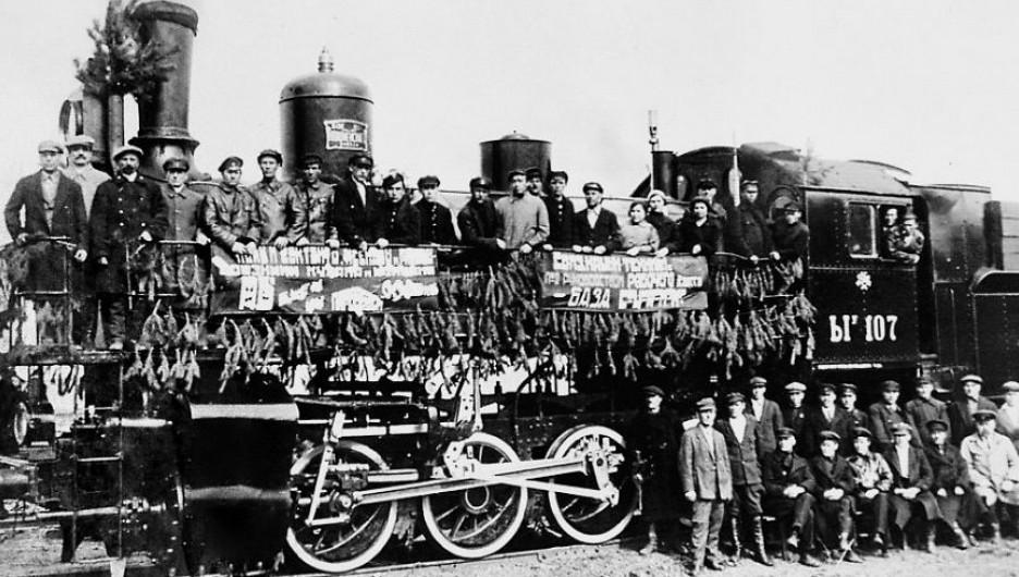 Восстановленный после гражданской войны паровоз