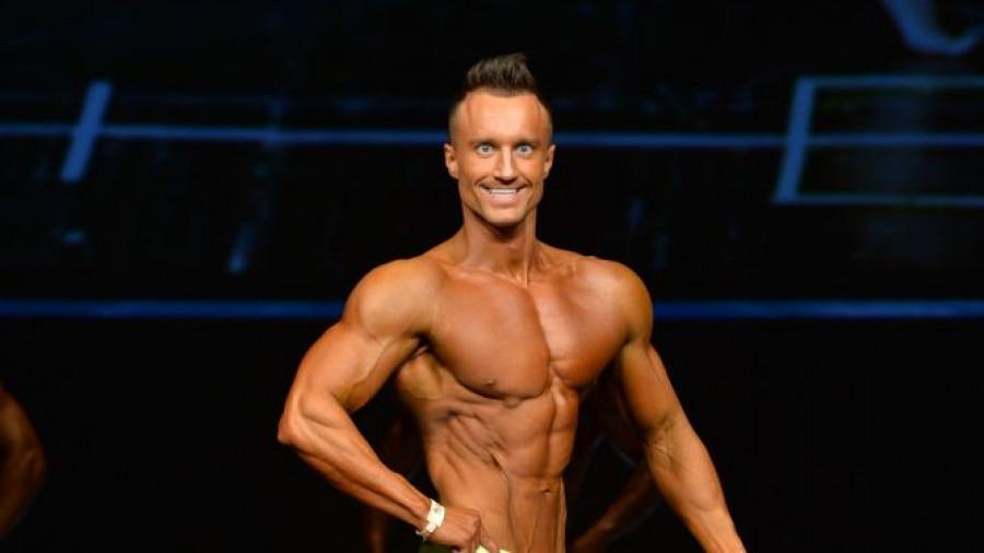 Евгений Голошубов стал призером Чемпионата России по бодибилдингу.
