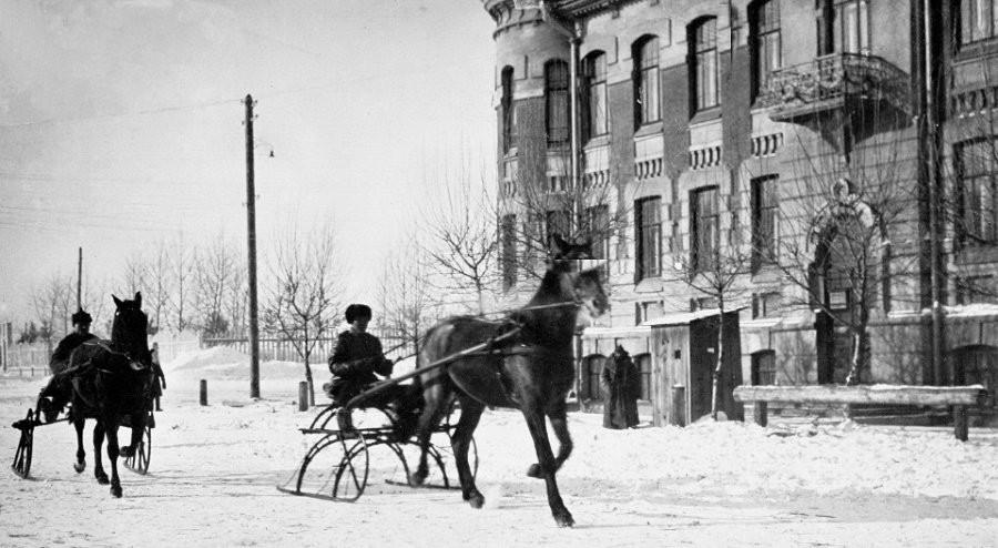 Здание оперативного сектора ОГПУ и городского отдела НКВД в 1932-1937 гг. ( ул.Короленко, 50)