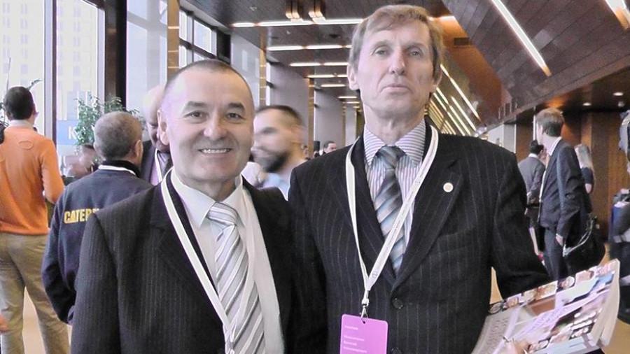 Предприниматель Александр Сеслов (слева) и известный уральский крестьянин-правдоруб Василий Мельниченко.