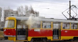 """Операция по тушению """"горящего"""" трамвая."""
