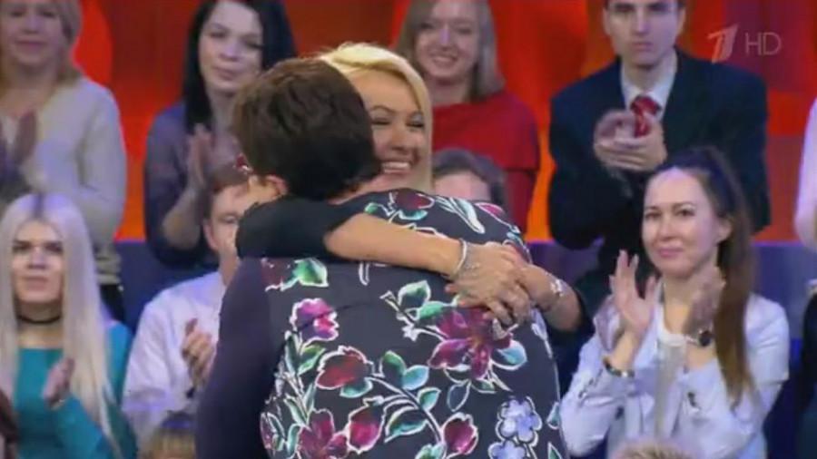 Яна Рудковская и ее классный руководитель.