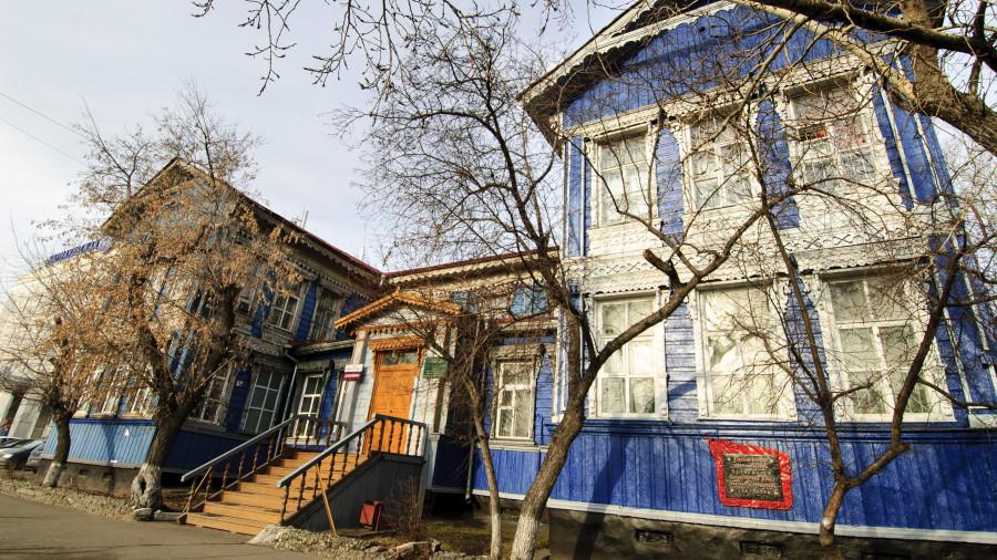 Дом ул. Ползунова, 48.