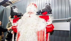 Российский Дед Мороз и фигуристка Анастасия Гребенкина побывали в Барнауле.