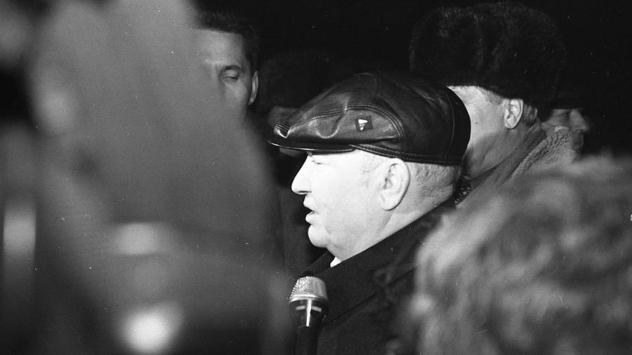 1999 год, визит Юрия Лужкова в Барнаул.