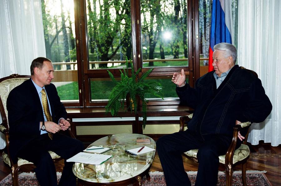 Рабочая встреча Владимира Путина и Бориса Ельцина.