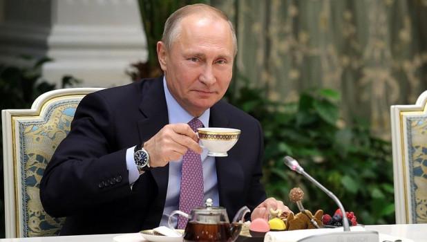 Украинский политик Медведчук рассказал, как стал кумом Путина