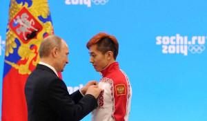 Владимир Путин и конькобежец Виктор Ан.