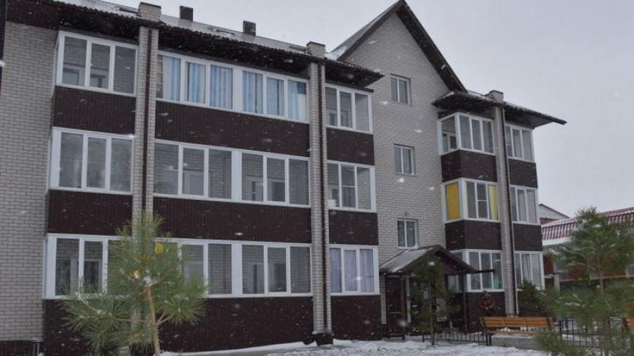Дом в Новоалтайске, где в 2016 году получили квартиры 9 сирот.