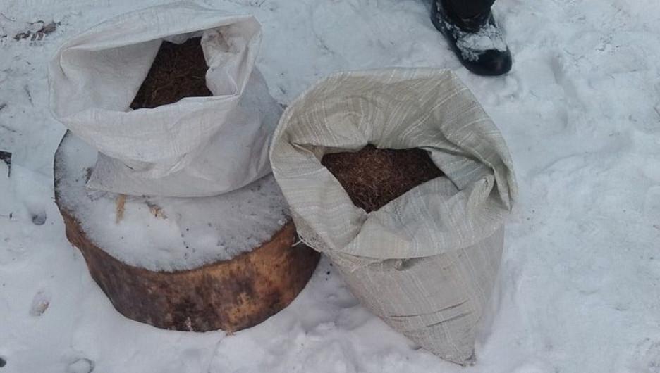 У сельчанина в Каменском районе изъяли 6 килограммов марихуаны.