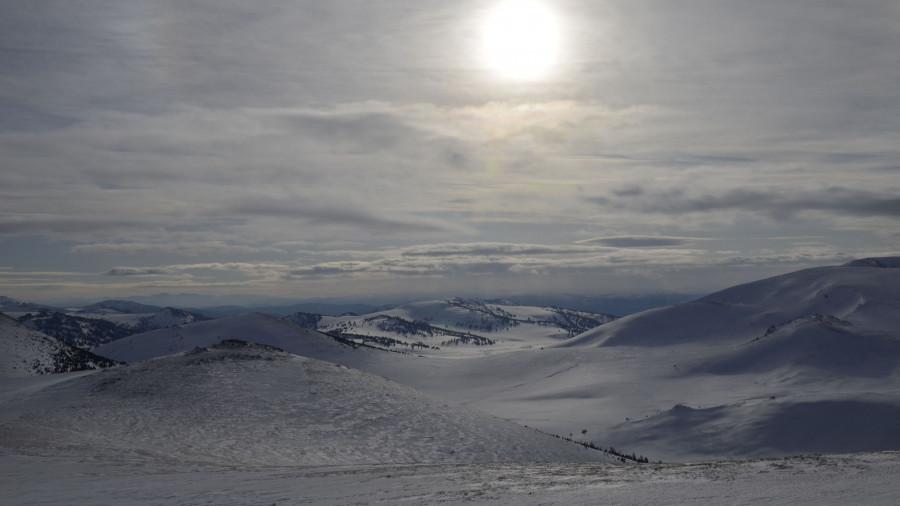 Барнаульцы покорили высшую точку Алтайского края.