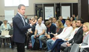"""Инновационная компания """"СиСорт"""" собрала предпринимателей Сибири, чтобы провести """"Деловой Новый год""""."""