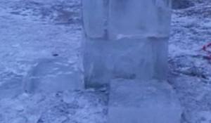 В Барнауле вандалы испортили снежный городок.