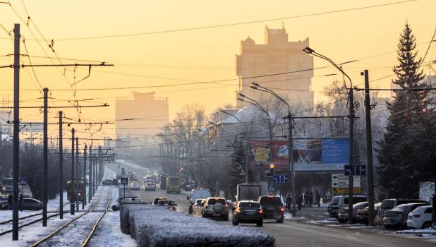Барнаул зимой. Транспорт. Красноармейский.