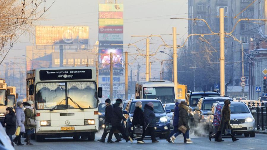 Барнаул зимой. Транспорт.