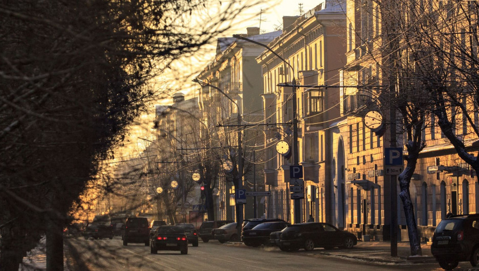 Барнаул зимой. Транспорт. Проспект Ленина.