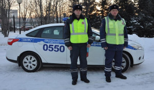 Полицейские Андрей Лиханов и Денис Волков.