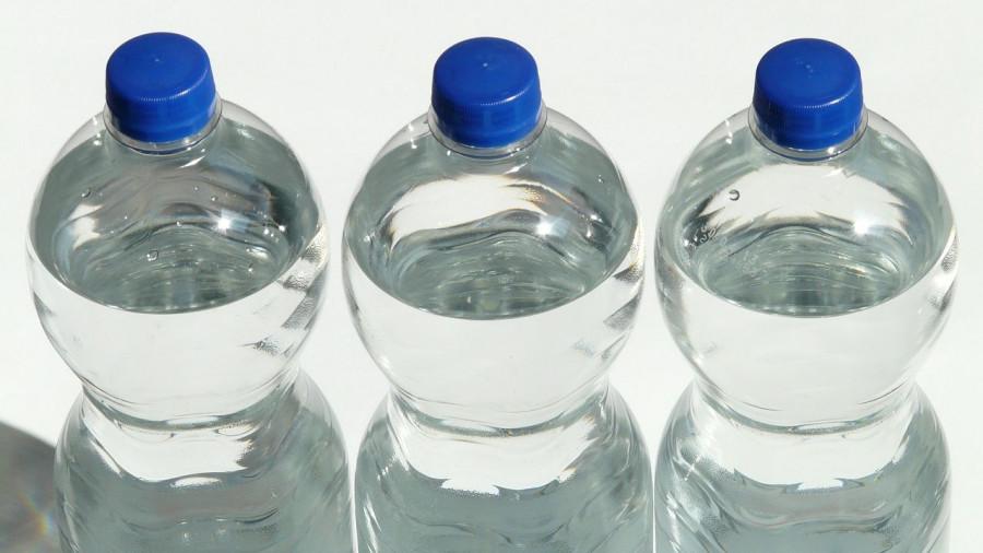 """Пластиковые бутылки, """"полторашки""""."""