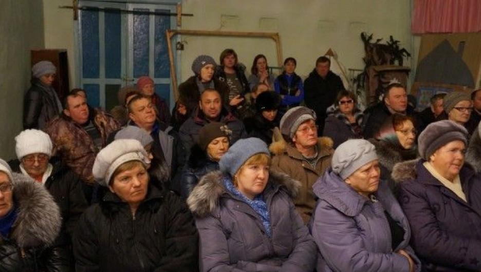 Жители села Сузоп.