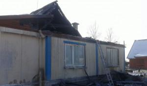 Пожар в селе Малоенисейском уничтожил жилой дом.