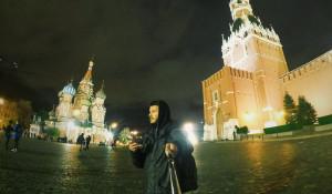 Путешественник Матвей Дорофеев на Красной площади.