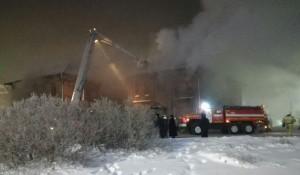 В Барнауле горит Дом афганцев.