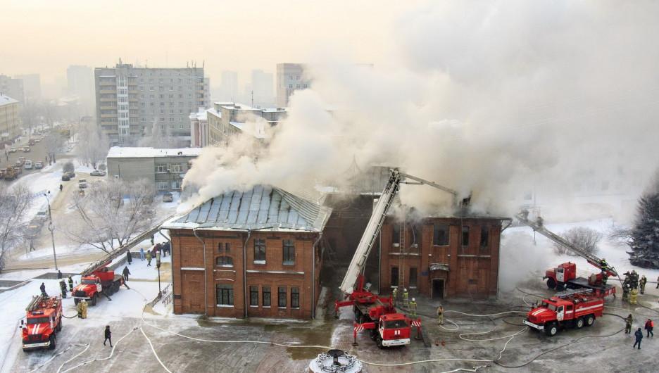"""Пожар в """"Доме афганца"""" в Барнауле."""