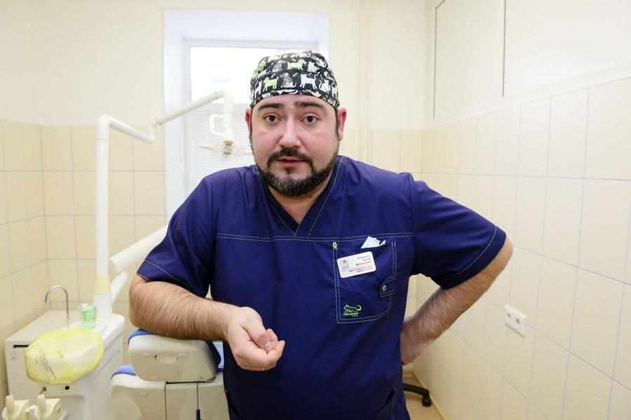 Артем Стаценко, врач-стоматолог, хирург первой категории.