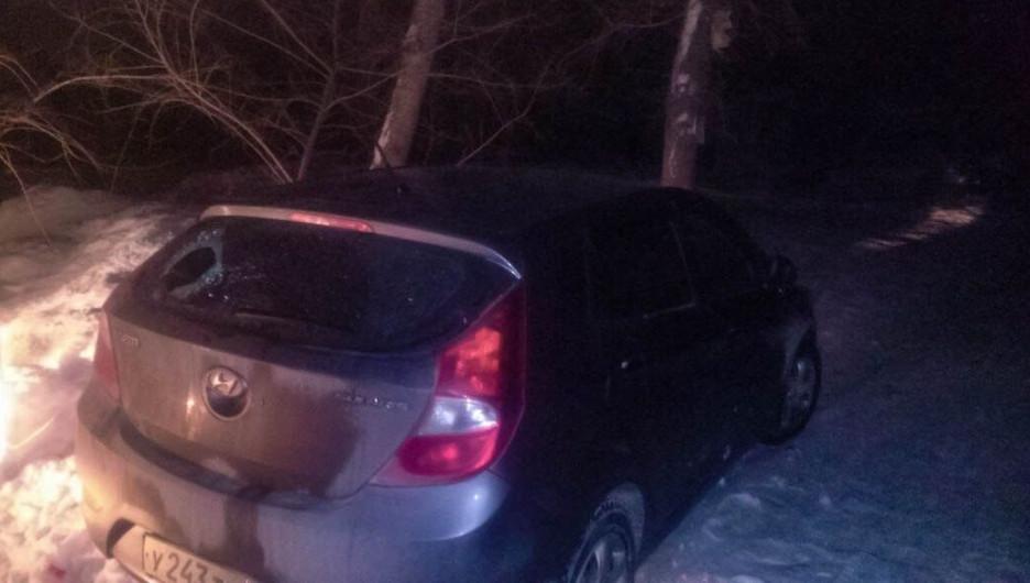Пьяный водитель совершил два ДТП в Барнауле.