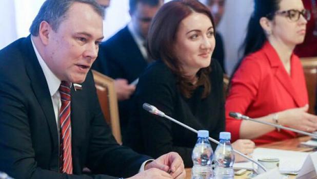 Наталья Кувшинова и Петр Толстой.