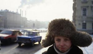 Санкт-Петербург, мальчик на улице, 1994 г.