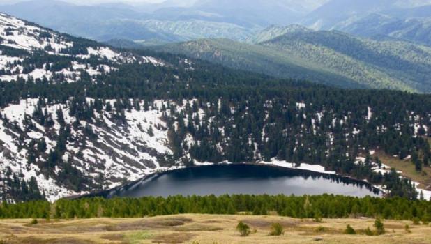 Одно из Каракольских озер.
