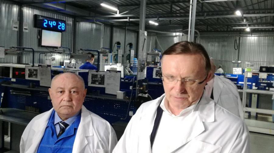"Гендиректор ""КАМАЗа"" Сергей Когогин (справа) на АЗПИ."