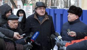 Лев Коршунов, Валерий Фадеев и Александр Карлин участвуют в акции #чтонужно. Барнаул, 2 марта 2018 года.