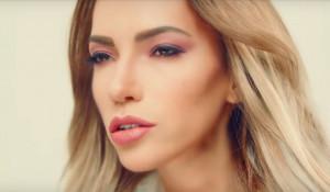 """Юлия Самойлова в клипе на песню """"I Won't Break""""."""