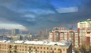 Новосибирск заволокло черным едким дымом.