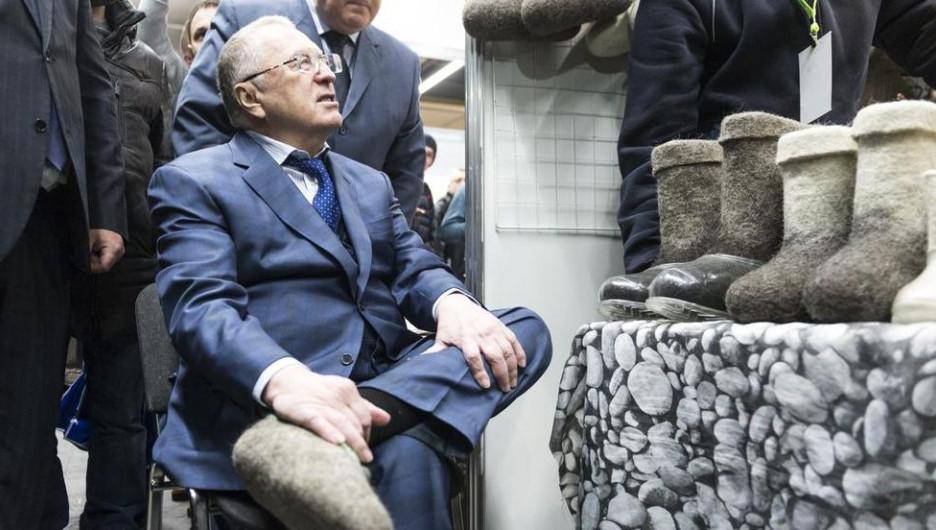 """Жириновский предсказал скорую войну с США и победу: """"Народ обеспечит нужную сплоченность"""""""