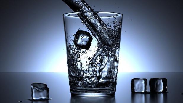 Вода.