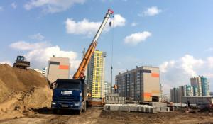 Строительство школы в квартале 2006а. 4 мая 2018 года.