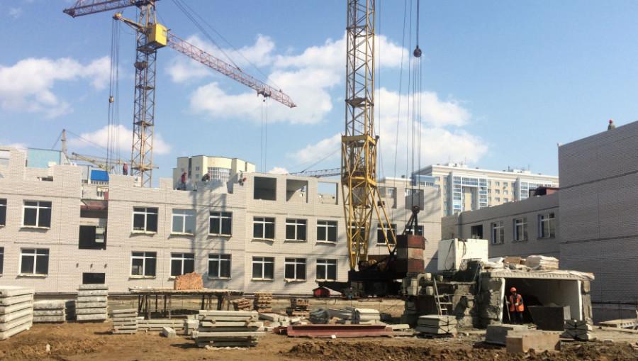 Строительство школы в квартале 2008. 4 мая 2018 года.