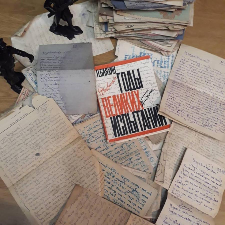 В Новосибирске по найденным на свалке письмам барнаульского фронтовика сделали постановку на День Победы.
