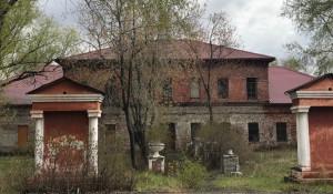 Территория сереброплавильного завода, май 2018 года. Фото: altapress.ru.